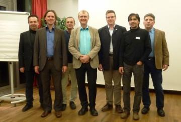 Neu gewählter Vorstand (v.l.n.r.): Christian Lorenz (Kassenprüfer), Timo Leukefeld (Kassier) Wolfgang Hilz (2. Vorsitzender), Georg Dasch (1. Vorsitzender), Andreas Schuster (Schriftführer), Bernd Kerscher (Beisitzer), Reinhard Haltmaier (Kassenprüfer)  Foto: Sonnenhaus-Institut