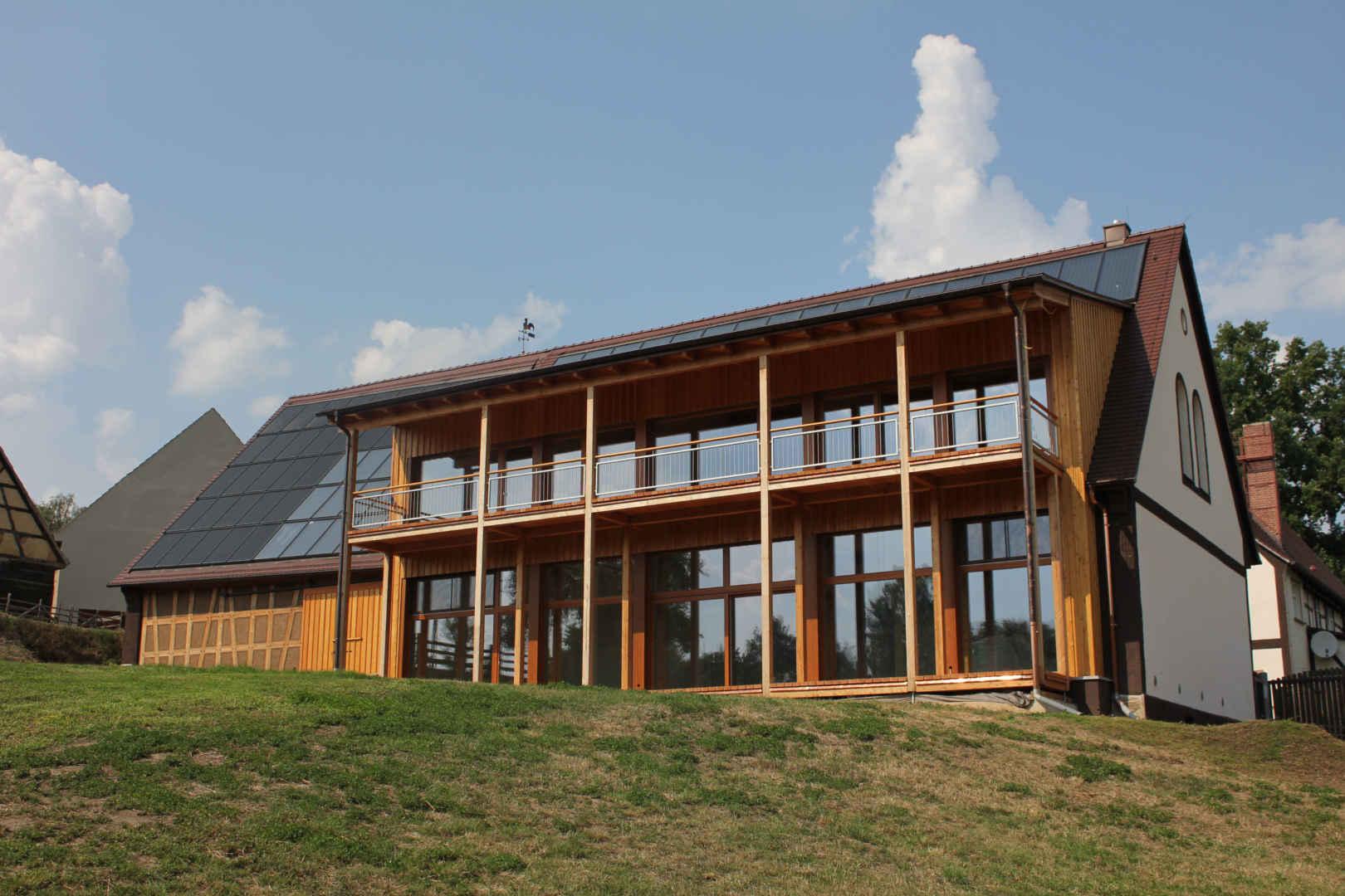 www.sonnenhaus-institut.de