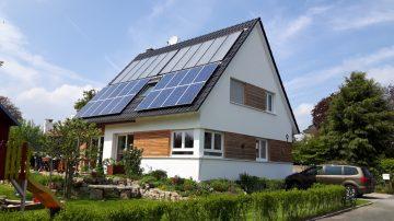 Auch für kleine Sonnenhäuser gilt die Förderung unverändert